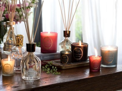 holiday table with sabon products
