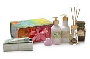 Gifts for Her Gift Set The Color of Love
