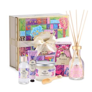 A Tokyo Experience Gift Set